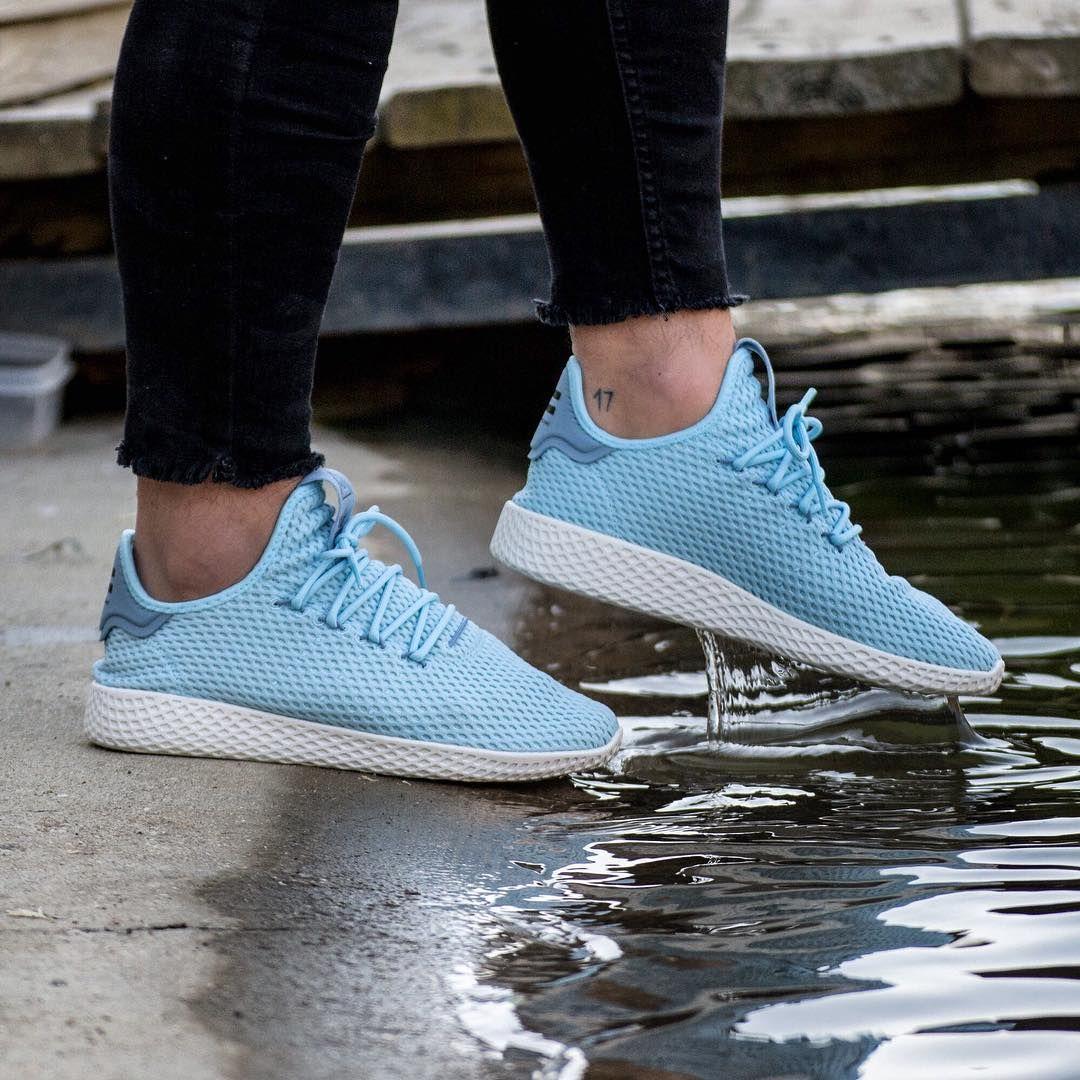 298 Likes 3 Comments Brutal Zapas Brutalzapas On Instagram Adidas Pharrell Williams Tennis Hu Avail Adidas Shoes Women Adidas Shoes Sneaker Boutique
