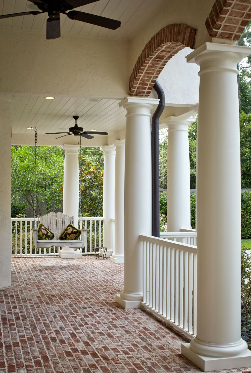 Love this brick front porch those arches and columns are for Wrap around porch columns