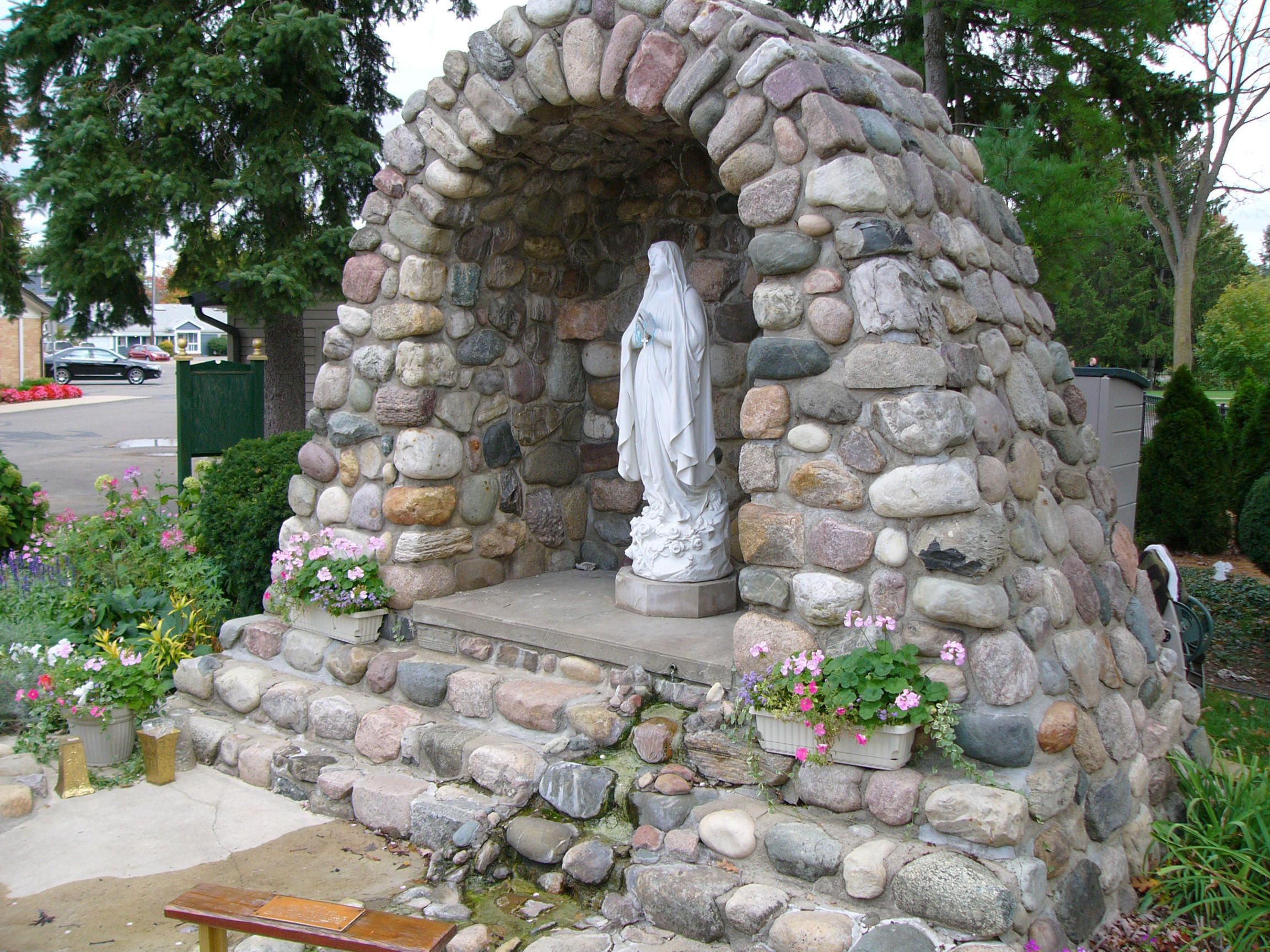 Grotto for the home pinterest for Garden grotto designs