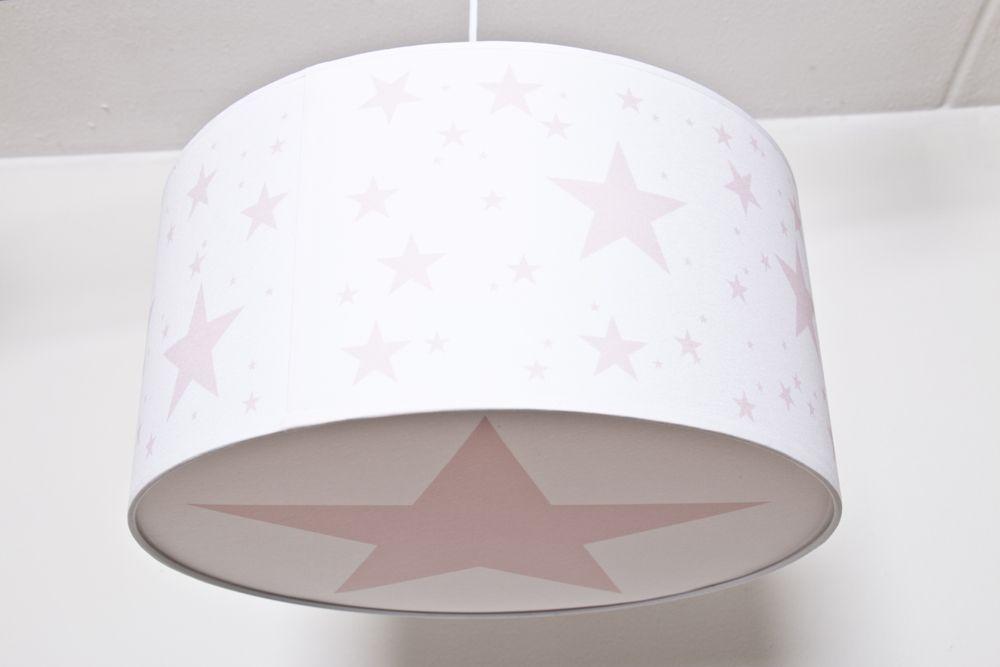 Lámpara de techo habitación infantil con estrellas rosas.www.childrenandhome.es #lampara-infantil-estrellas #lampara-bebe #childrenandhome #decoracion #bebe #infantil #hearts #corazon #estrella #nube