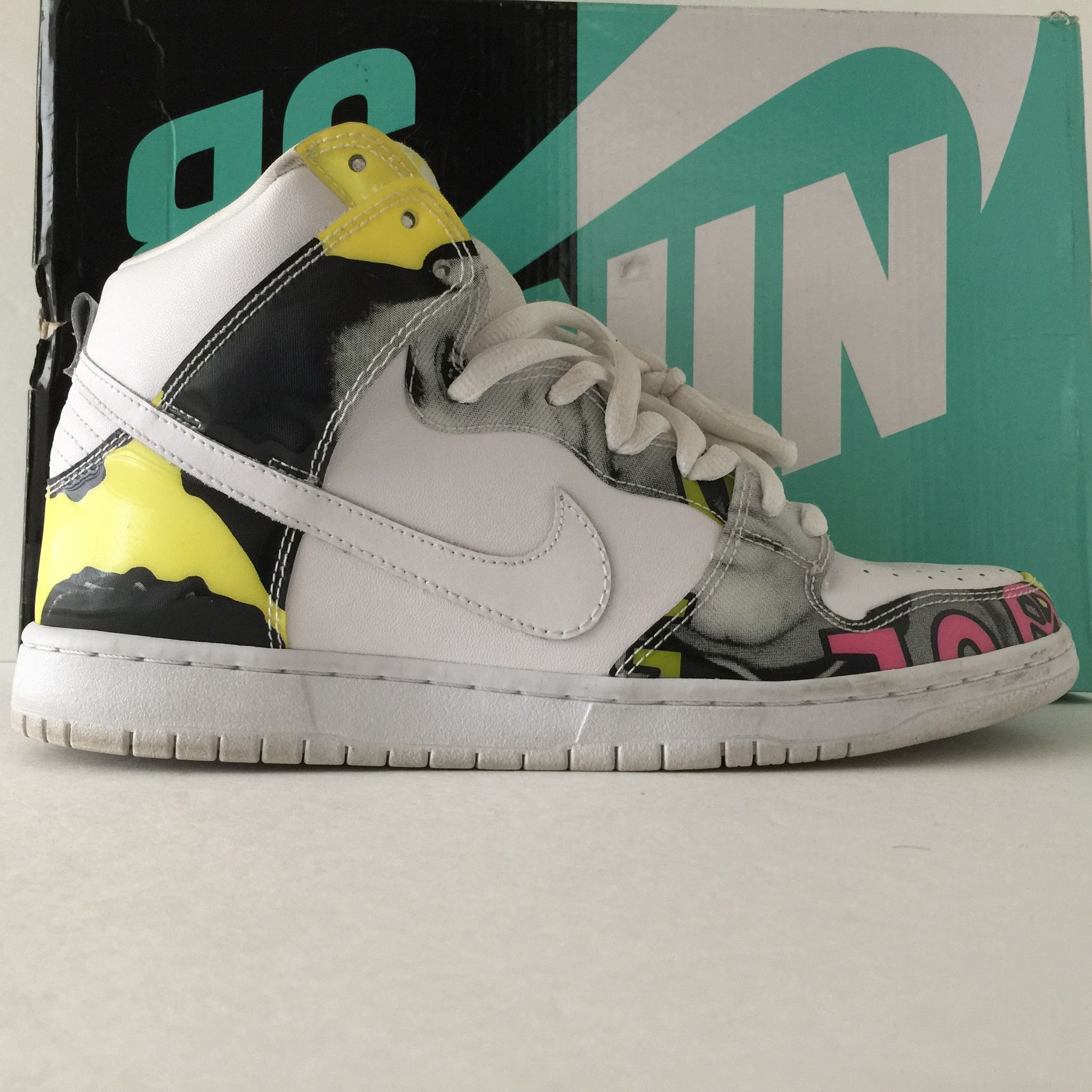 ANIME SNEAKERS ( Nike Dunk High Edition )