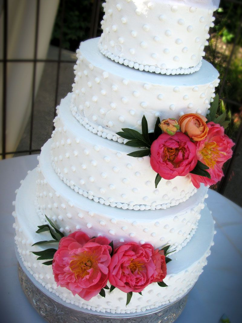 wedding cake whipped cream frosting