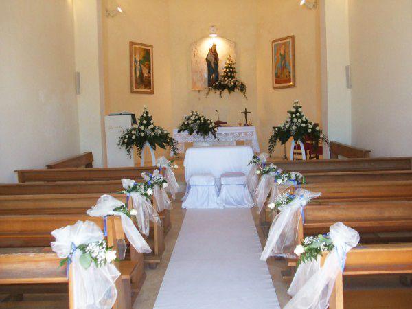 Matrimonio In Uniforme Economico Con Rose Color Cipria Matrimonio Location Per Matrimoni Addobbi Floreali Matrimonio