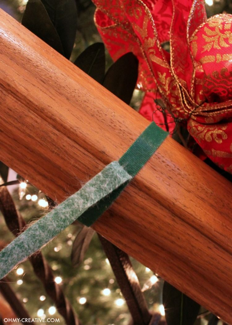 How To Hang Garland On Staircase Banisters Xmas Decor Pinterest