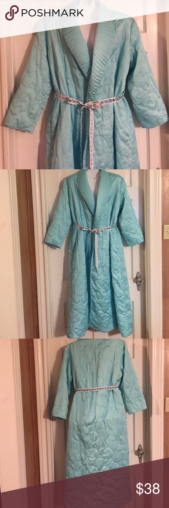 """🎈Vintage Turquoise Blue Robe. Size M Vintage turquoise blue quilted robe. No name inside but a medium tag inside. Bust:  19"""" flat. Length: 52"""". Vintage Intimates & Sleepwear Robes"""