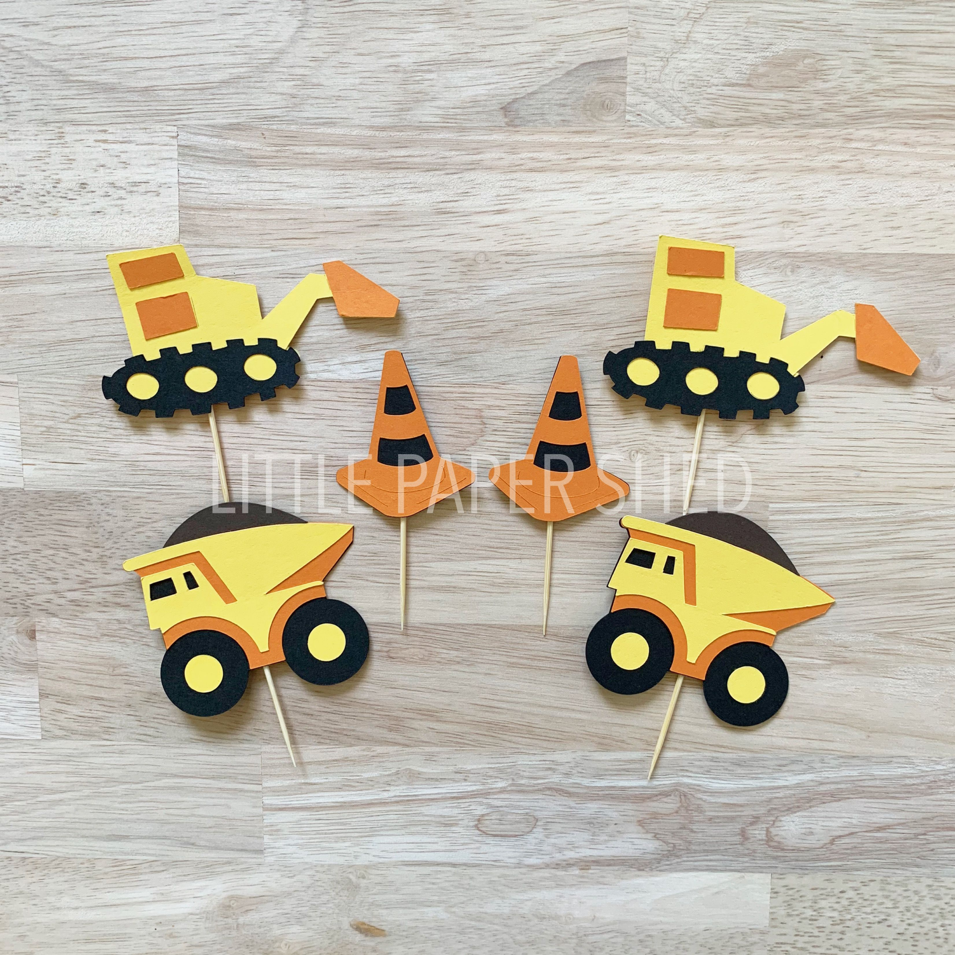12x Construction Cupcake Toppers