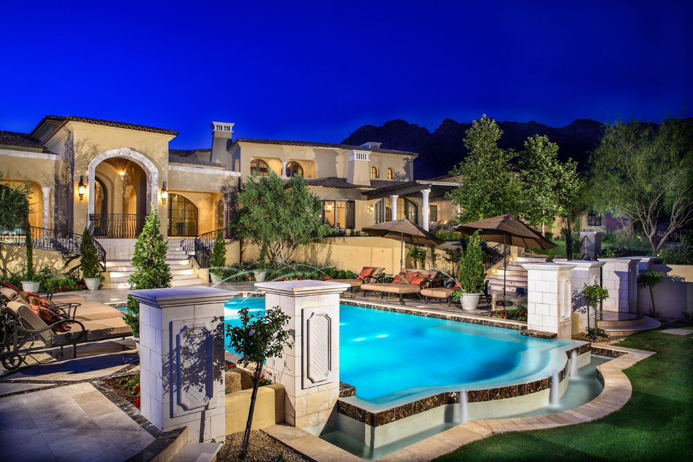 Scotsdale Arizona As A Luxury Home Builder Argue Custom Homes Of Scottsdale Arizona Is Luxury Real Estate Agent Luxury Swimming Pools Phoenix Homes