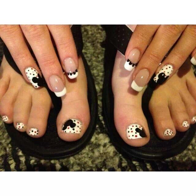 Mickey mouse mani/pedi | Nails/nail art | Pinterest | Diseños de ...