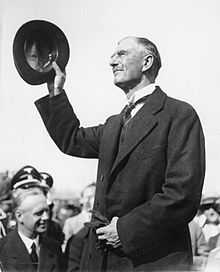 arthur neville chamberlain essay Arthur neville chamberlain frs was a british statesman of the conservative  party who served as prime minister of the united kingdom from may 1937 to may .