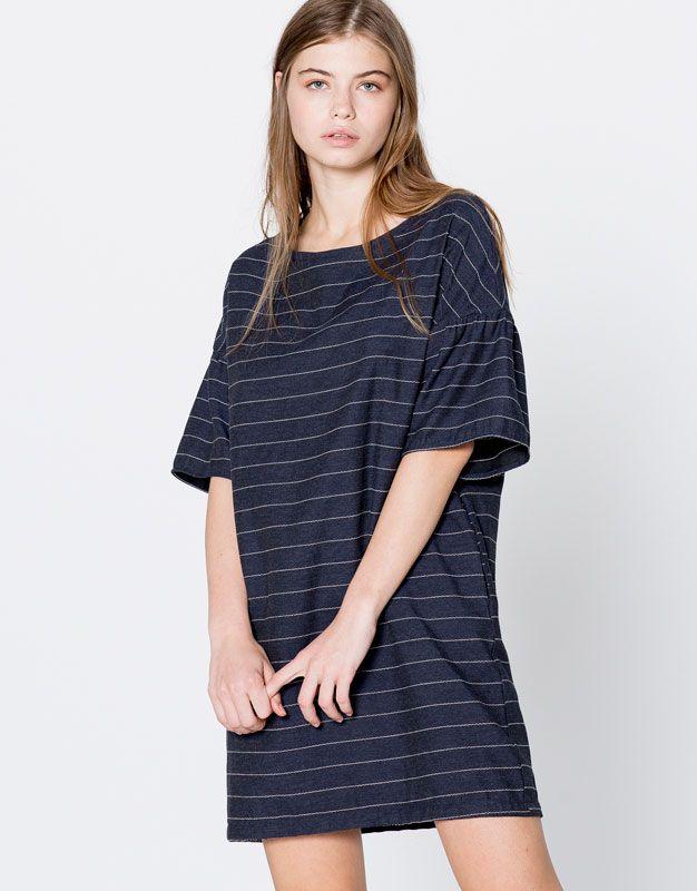 Gestreiftes oversize-kleid - Kleider - Kleidung - Damen - PULL&BEAR Deutschland