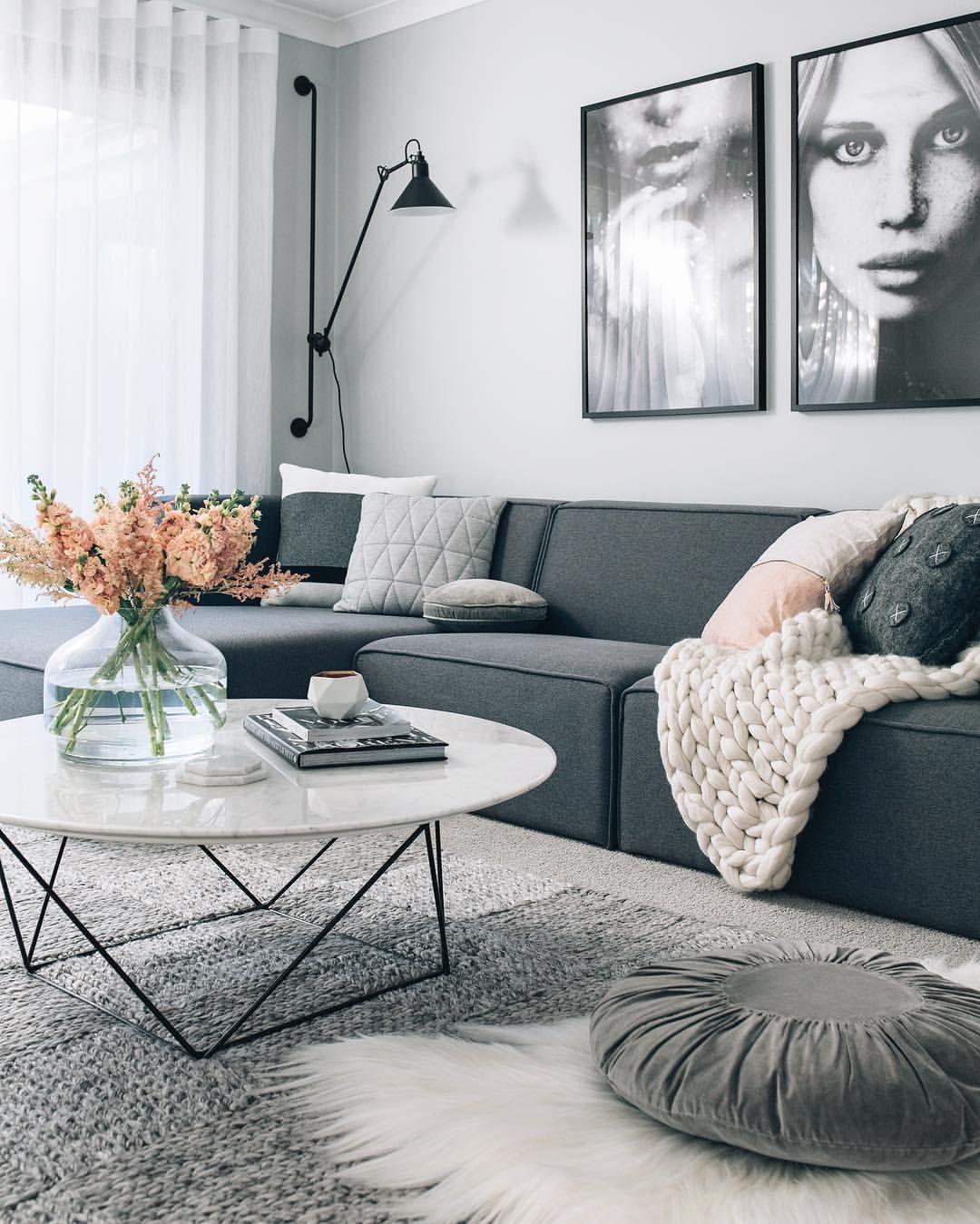 Moderne Wohnzimmer, Wohnzimmer Ideen, Wohnung Einrichten, Einrichten Und  Wohnen, Wohnungseinrichtung Ideen, Graues Sofa, Umzug, Neue Häuser,  Raumgestaltung