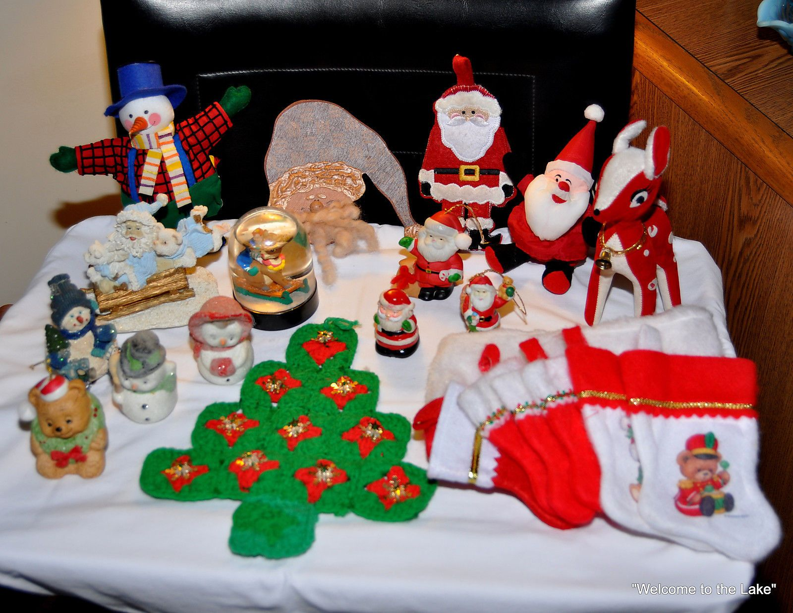 CHRISTMAS DECORATIONS - Lot of 22 Interesting Christmas Decorations