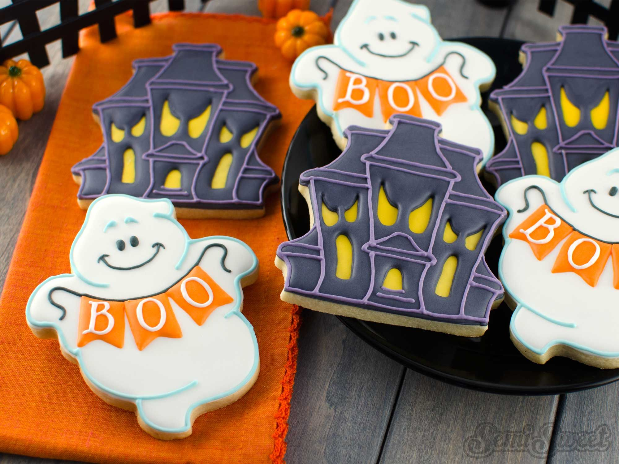 How to Make Chubby Ghost Cookies Ghost cookies, Cookie decorating - Halloween Decorated Cookies