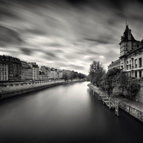 By: Damien Vassart (via Paris in Black and White...