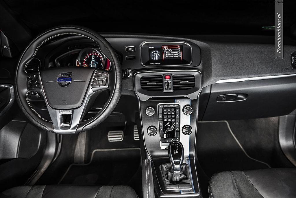 Volvo v40 r design interior by volvo r for Interior volvo v40