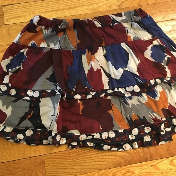 Hollister Floral Ruffle Mini Skirt M Pretty floral ruffle tiered skirt. Great shape. Hollister Skirts Mini
