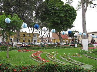 Gdziekolwiek - Cokolwiek - Jakkolwiek: Barranco - Lima