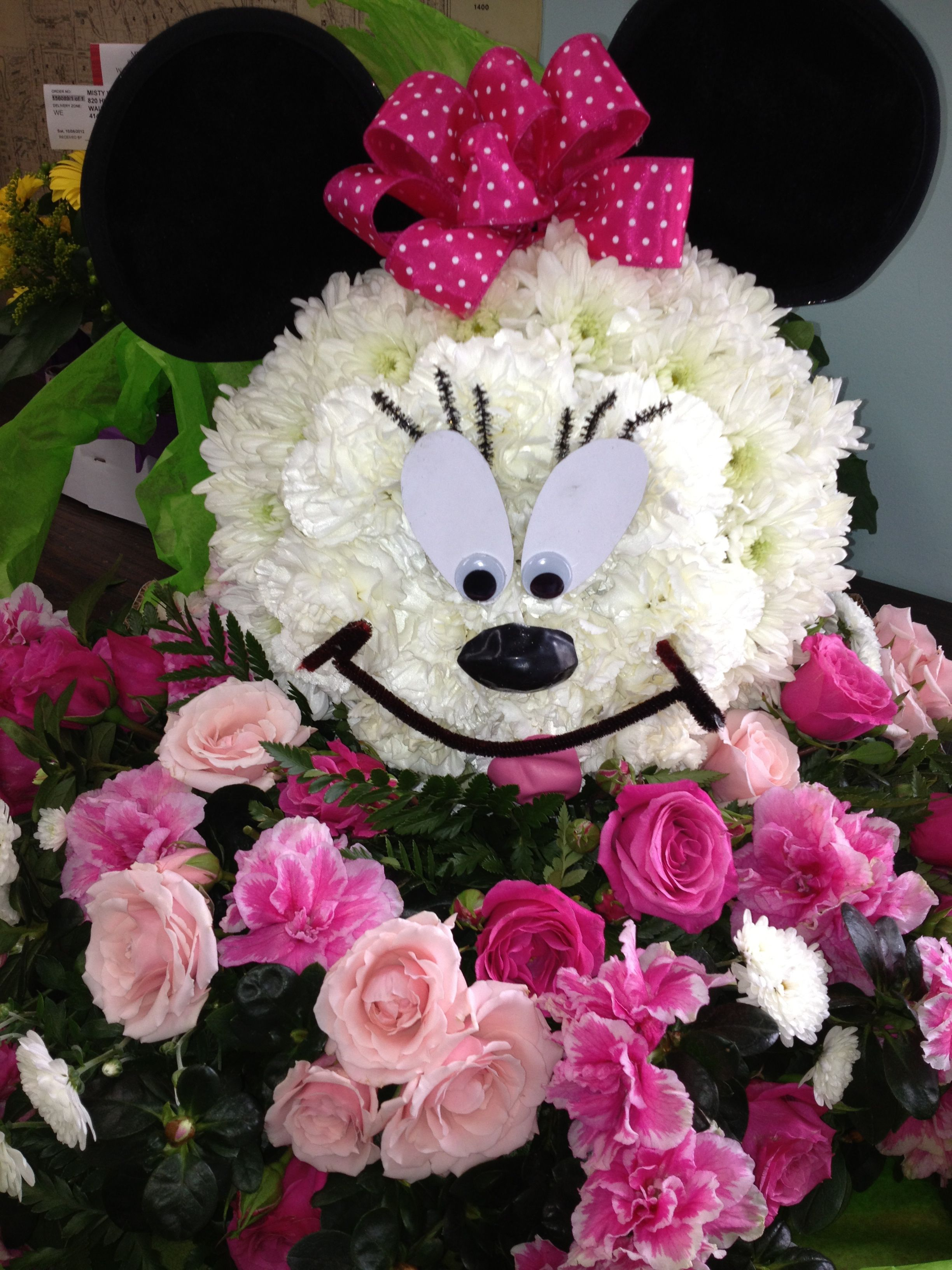 Centerpiece For A Minnie Mouse Lover Flowers Fun