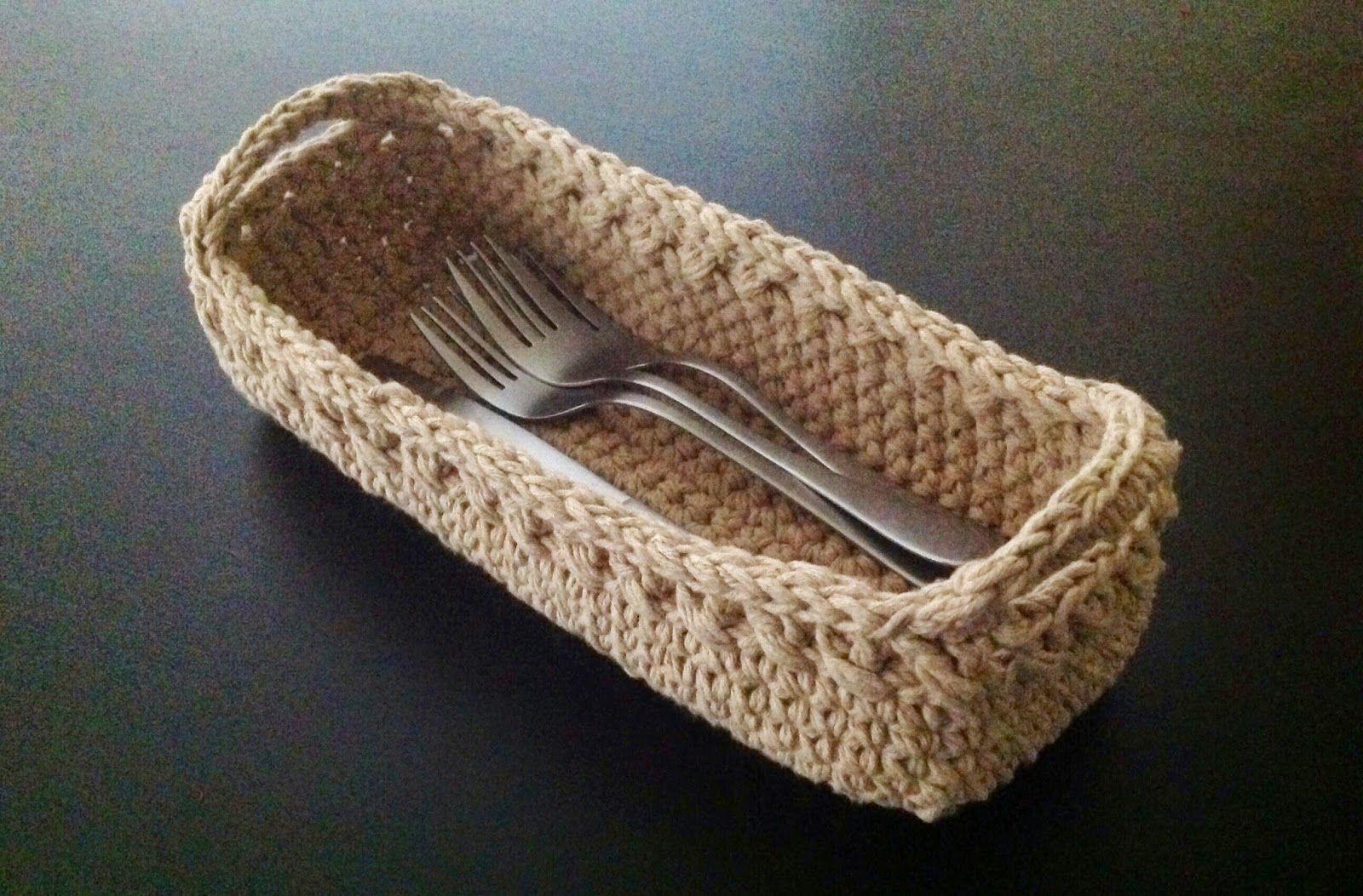 Agulhas e Pinceis: Porta talheres de crochê
