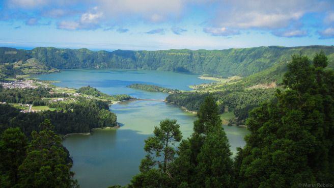 Lagoa das Sete Cidades (seven-cities lake) in the São Miguel island, part of the Azores, a Portuguese archipelago