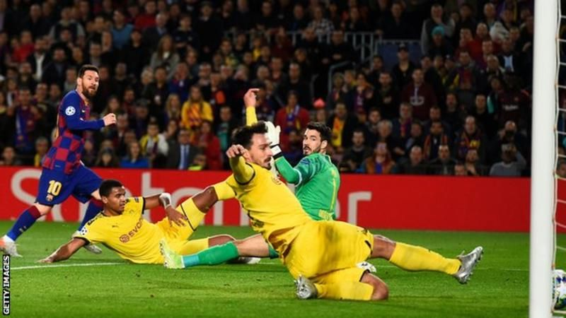 Messi scores on his 700th Barcelona appearance