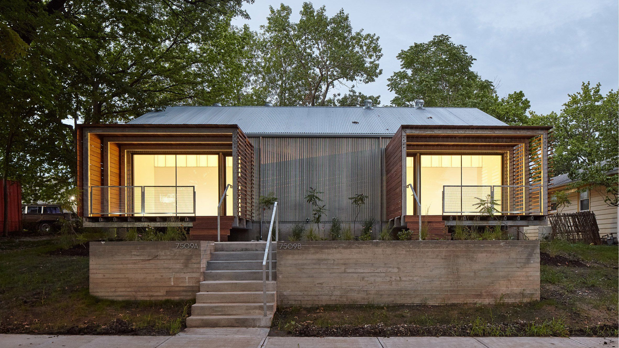 Kansas City students wrap affordable home in