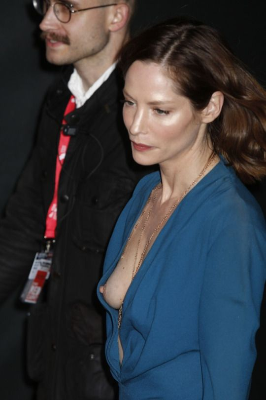 Sienna guillory upskirt gallery