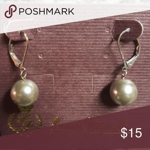 Earrings Grey Pearl Never Worn Premier Designs Jewelry