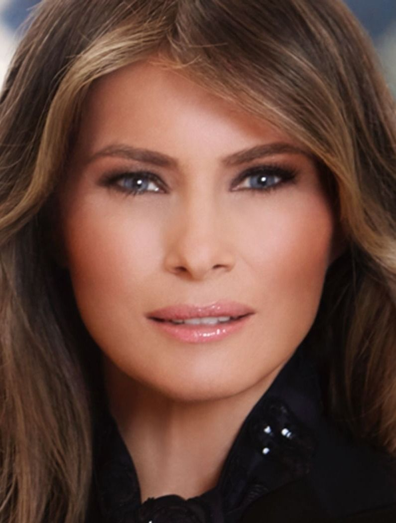 People Have A Lot To Say About The Ring In Melania Trump S Official Portrait Lady