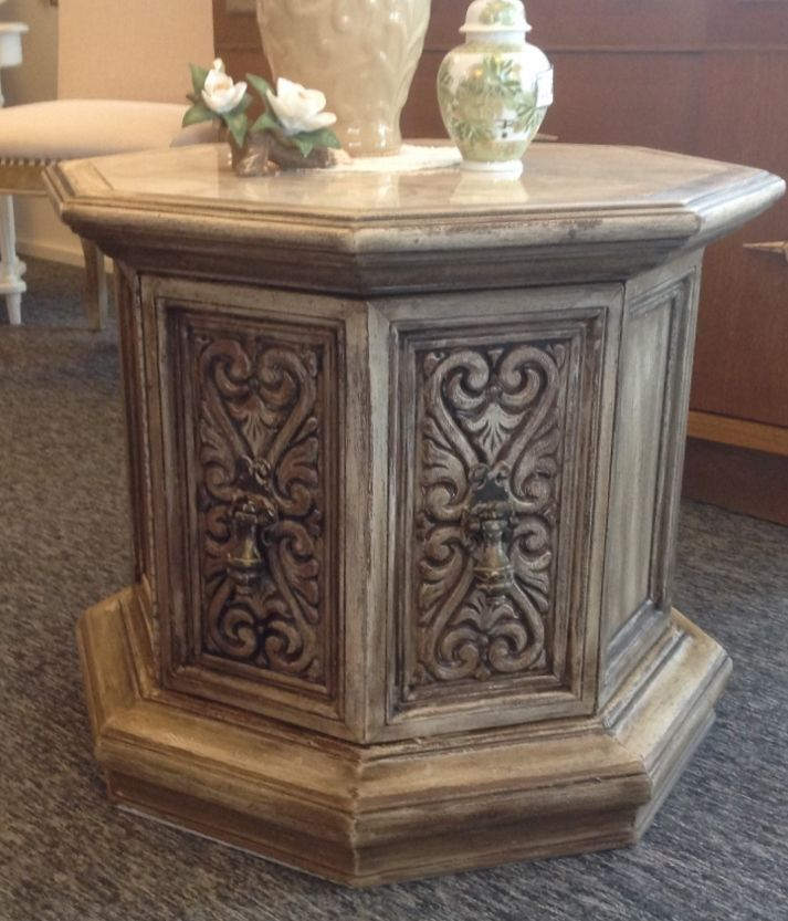 Merveilleux Refurbished Mediterranean Side Table, Octagonal. Faux Marble Top, Double  Doors Open. Painted White, Waxed With Dark Brown. Very Nice $50