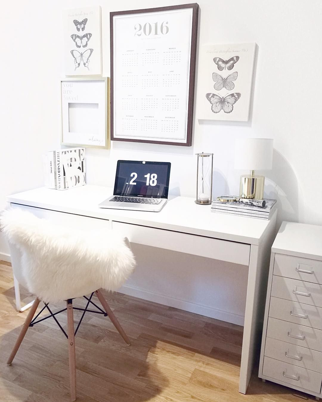 ein heller aufger umter arbeitsplatz working pinterest buero arbeitszimmer und schreibtisch. Black Bedroom Furniture Sets. Home Design Ideas