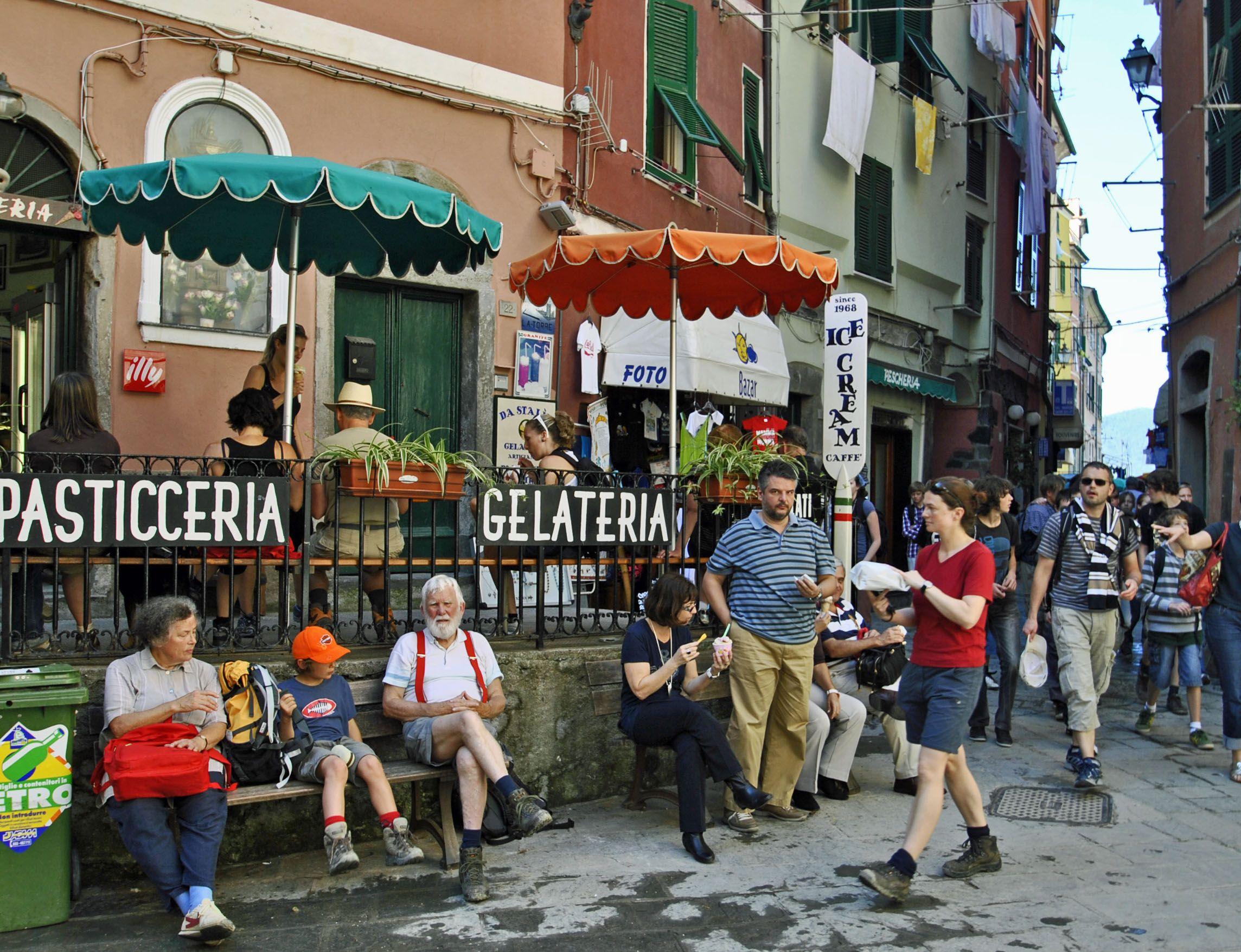 Gelateria in Vernazza, Liguria   Living in italy, Italian ...