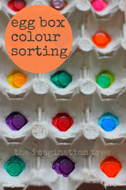 Make a simple and effective colour sorting game for preschoolers using an egg box and coloured bingo chips!