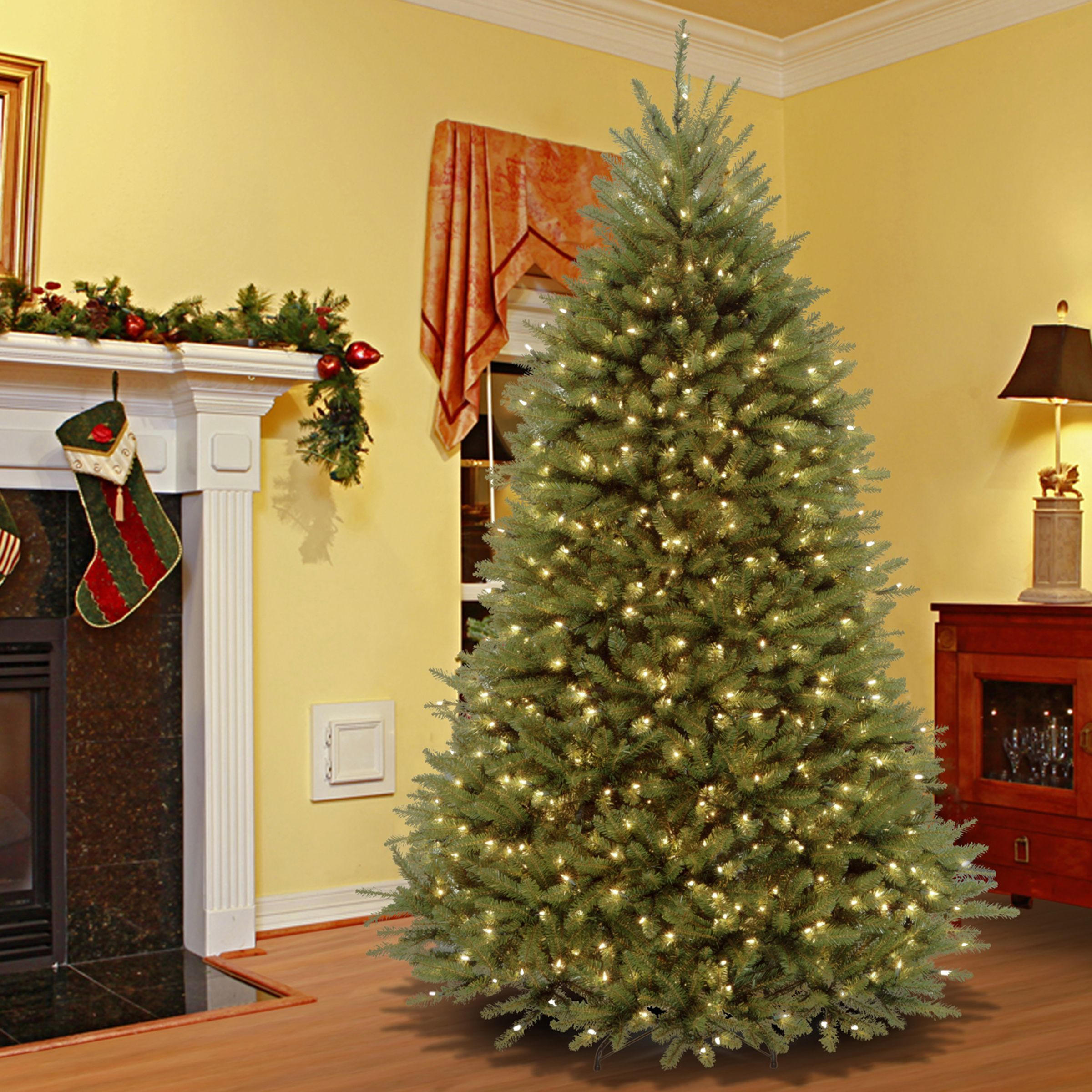 7.5foot Dunhill Fir Hinged Tree with 700 Low Voltage Dual