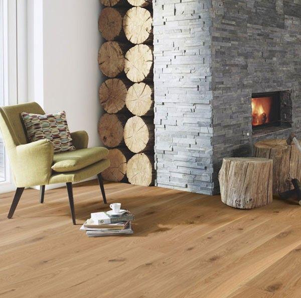 Sal n r stico decorado con muebles coloridos peque os for Muebles con ladrillos