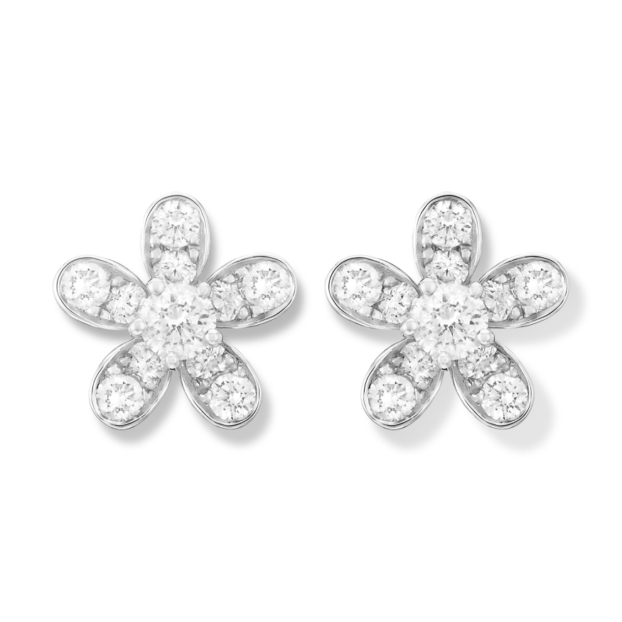 Inspired by the luxuriant blossom of the hemlock flower, the Socrate collection features alluringly asymmetrical designs. These elegant earclips feature a floral design in white gold set with diamonds.