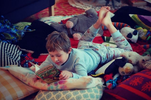 {Teaching Your Son to Love to Read: Successful Reading Strategies for Boys...} *Great article