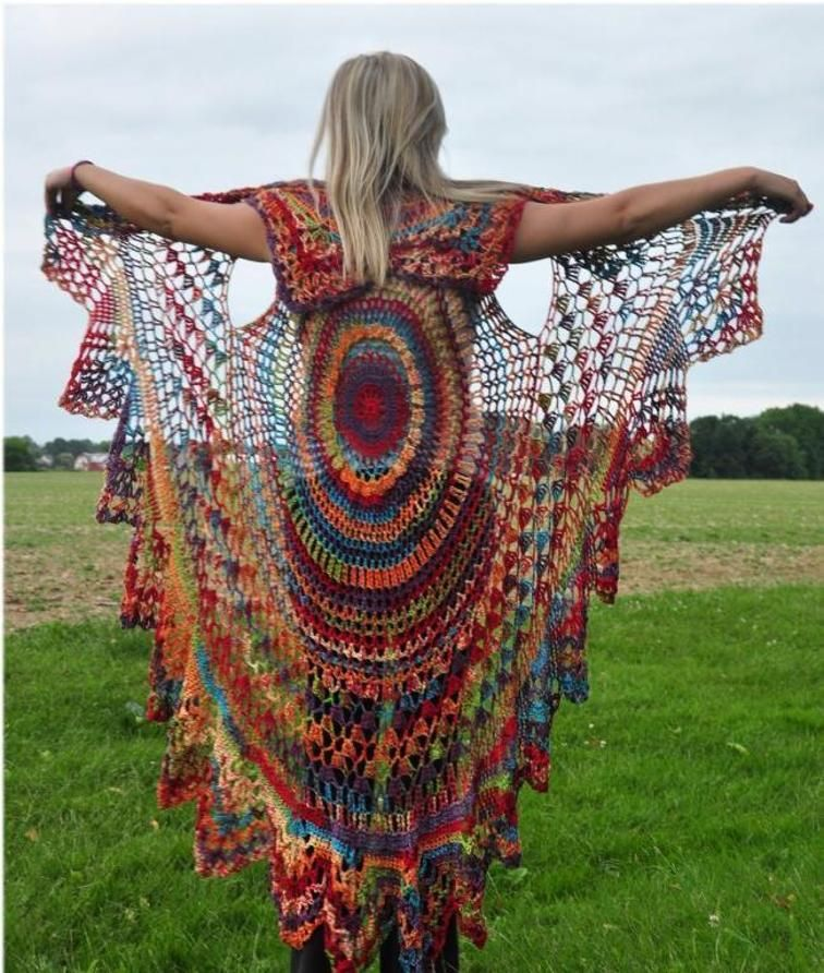 How to Crochet a Circle Vest: Tutorial + Patterns | Ponchos, Capilla ...