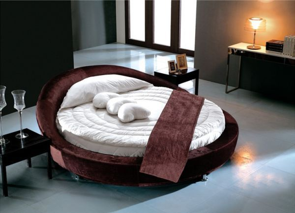 Contemporary Beautiful modern bedroom with a stylish round bed 27 Round Beds That Will Spice Up Your Bedroom Amazing - modern bed Simple Elegant