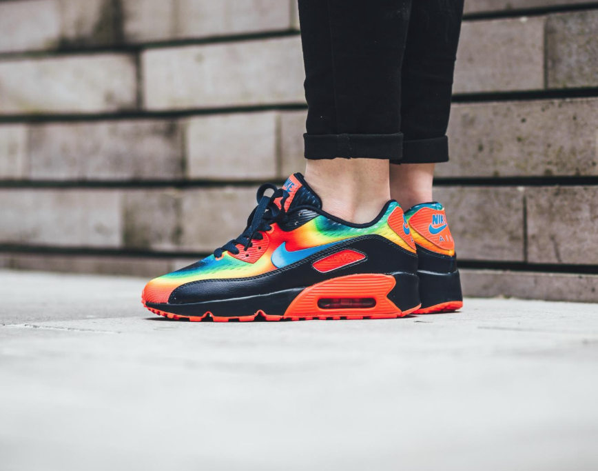 Touches Of Warmth On The Nike Air Max 90 Heat Map • KicksOnFire.com