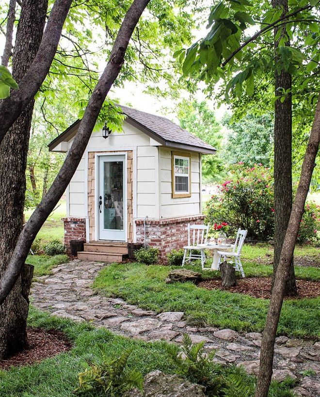 A Perfect Little Home Office Take A Look At How This Storage Shed Was Transformed Into A Cozy Cottage Style Ho Beautiful Home Gardens She Shed Backyard Sheds