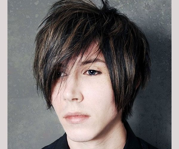 He Kinda Looks Like Andy But Thats Not Him My Babys Got Them - Emo boy hairstyle images