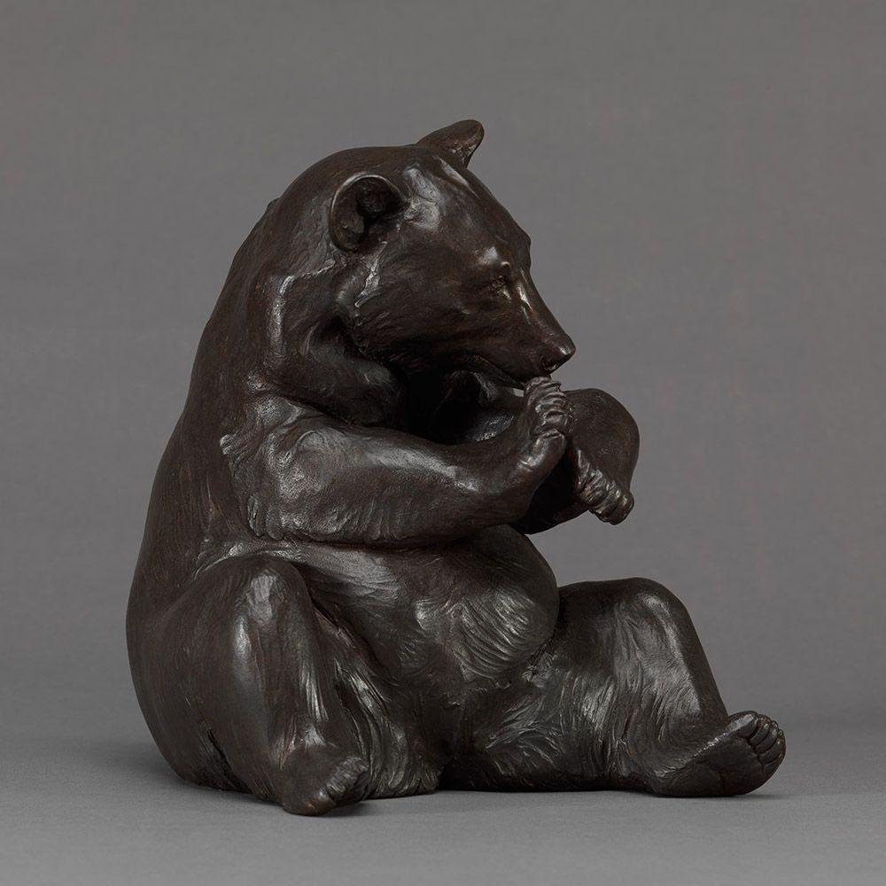 Black Bear with Honeycomb | sculpture | Pinterest | Bears, Bronze ...
