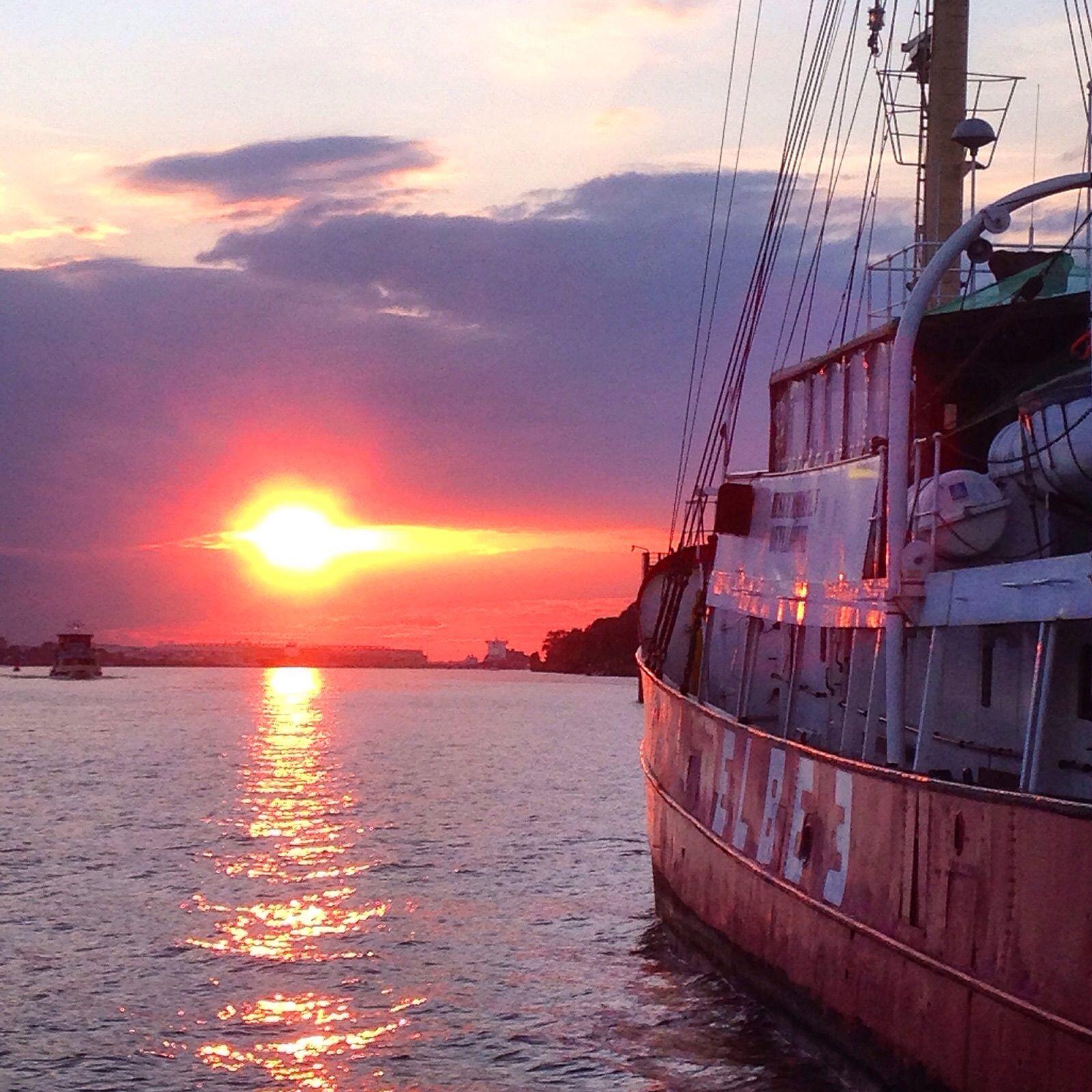 Sunset over Elbe River Sonnenuntergang über der Elbe #sunset #sonnenuntergang #elbe