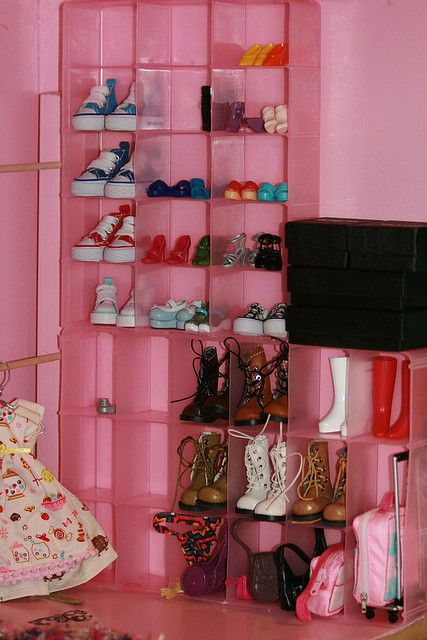 Barbie Bedroom In A Box: Blythe Playhouse Closet