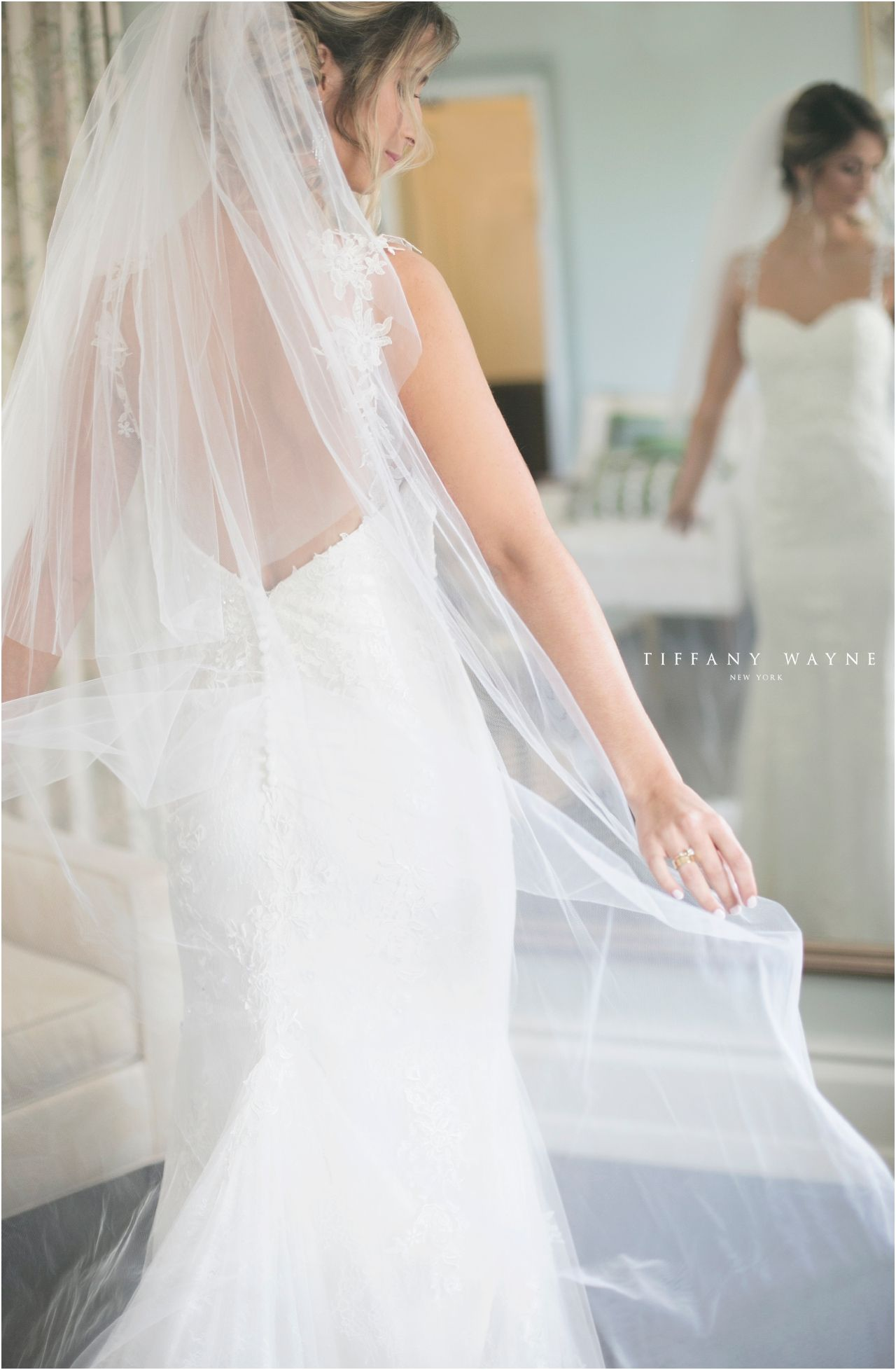 Bride getting ready photography ideas and inspiration bride putting