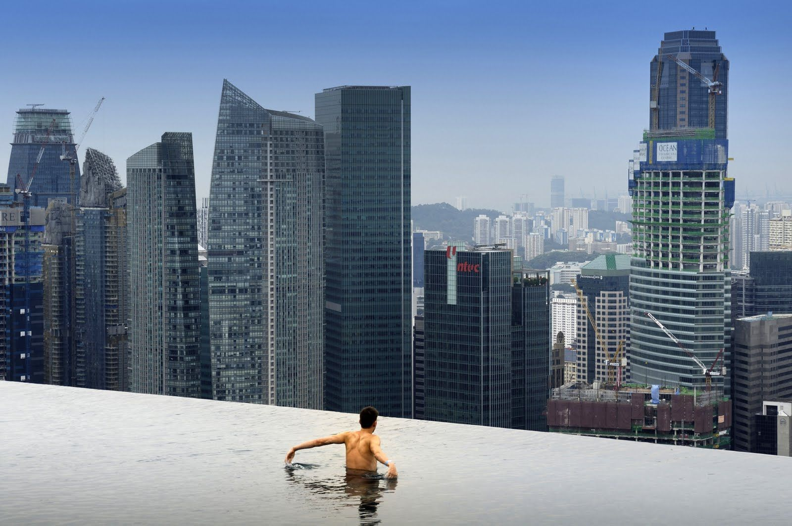 Amazing infinity pool on marina bay sand hotel in singapore by moshe safdie architects