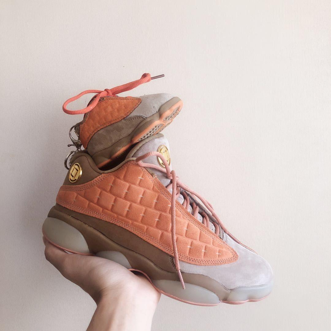 Mini sneakers, baby kicks, air jordan, travis scott, nike