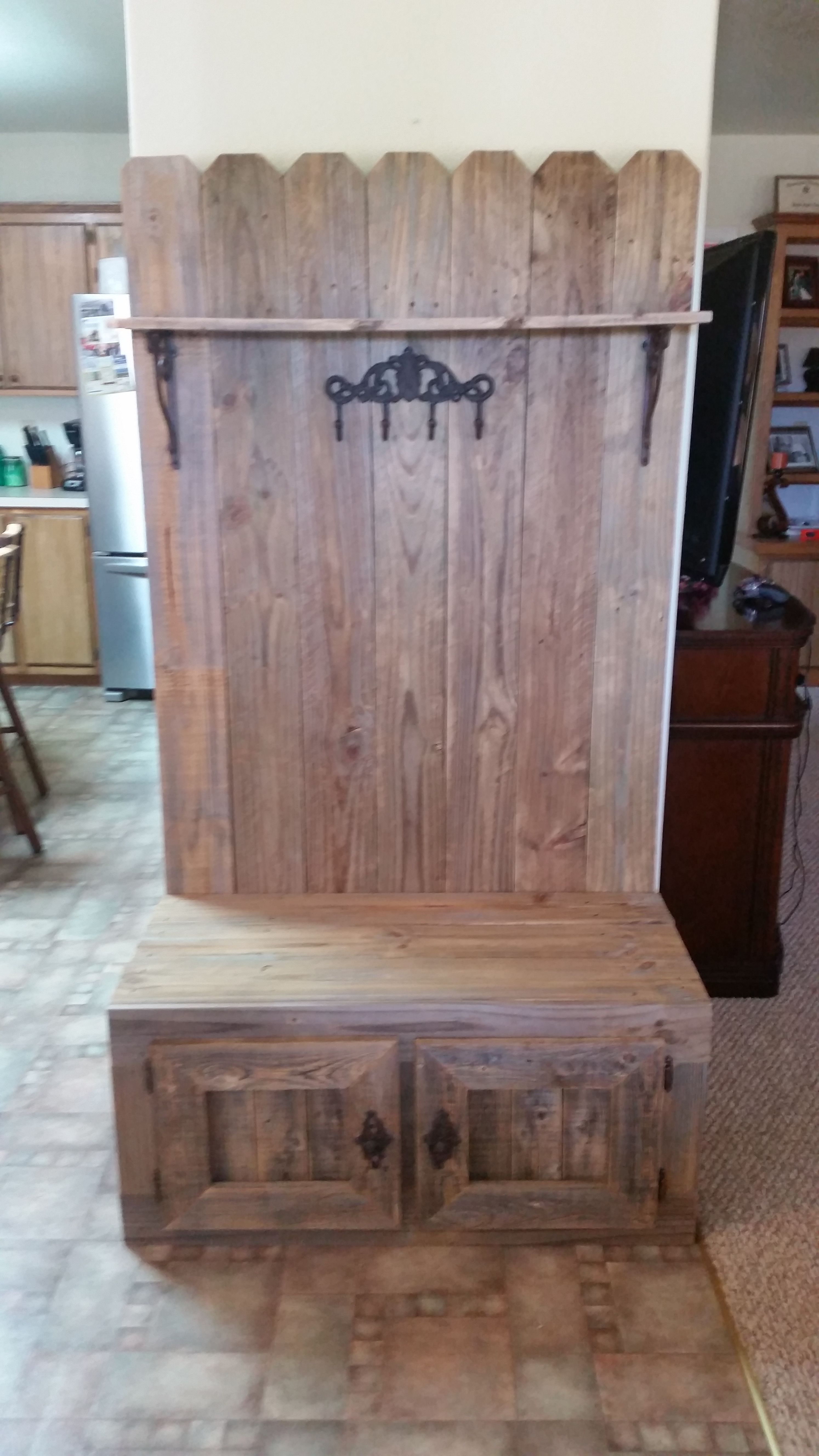 hals woodworking Aqua coat wood finishes, environmentally friendly top coats and sanding sealers.