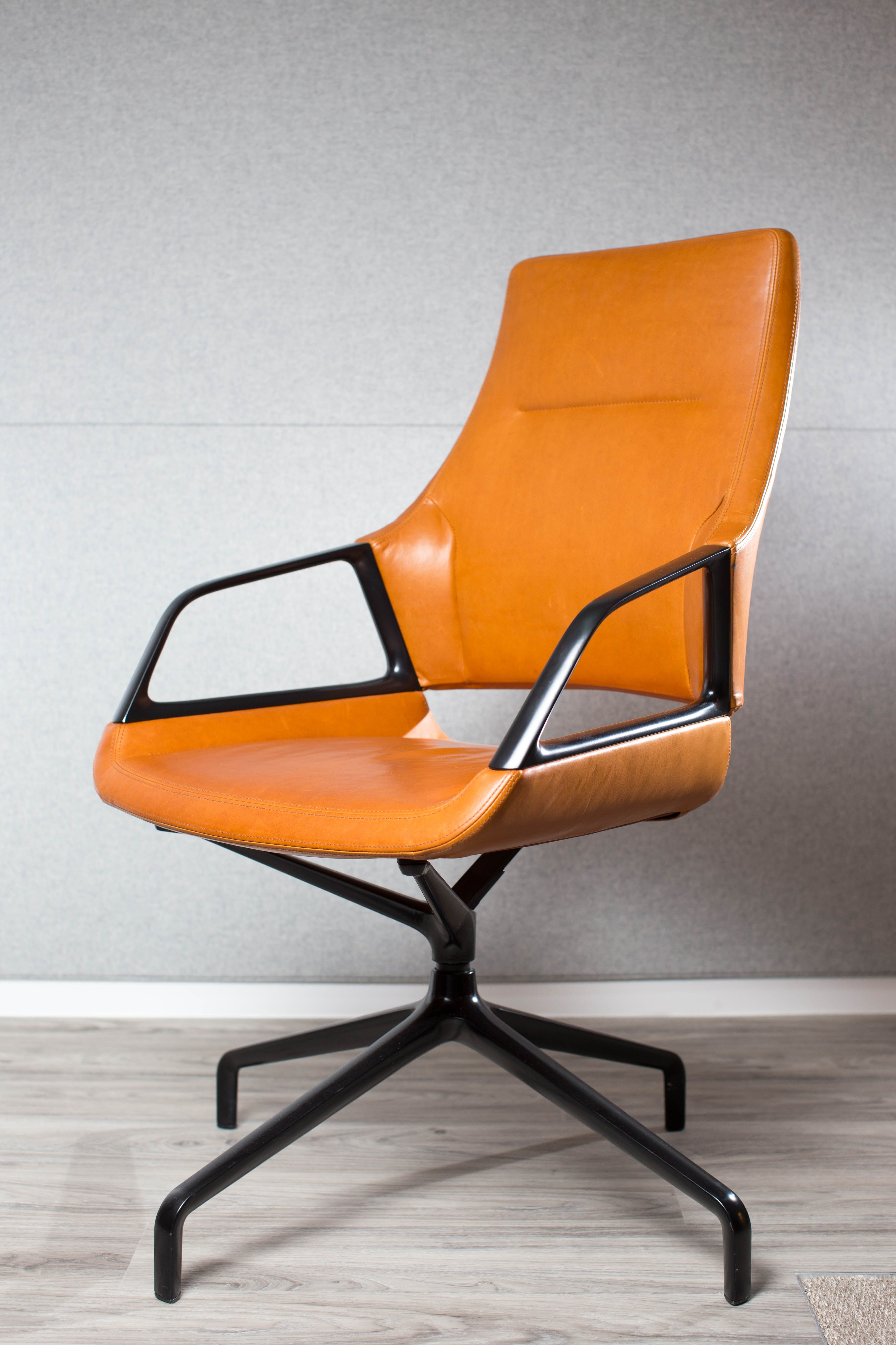 GRAPH conference chair | Design by jehs + laub | By Wilkhahn ...